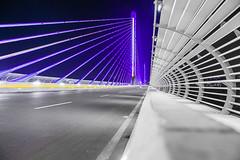 Expertos en iluminar viaducto de la carrera 9ª en Bucaramanga pueden programar desde sus celulares