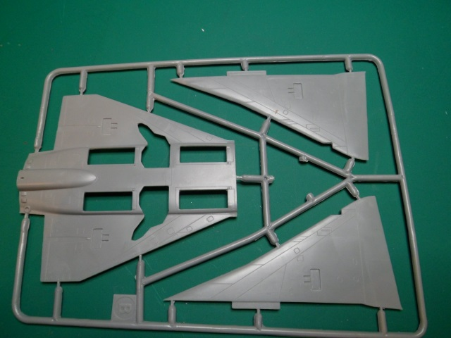 Ouvre-boîte Mirage III V.01 [Modelsvit 1/72] 21607947735_52ecbf963f_o