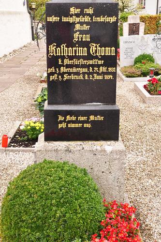 Seebruck am Chiemsee Kirche St. Thomas und St. Stephan Friedhof Grab von Katharina Thoma Foto Brigitte Stolle Oktober 2015
