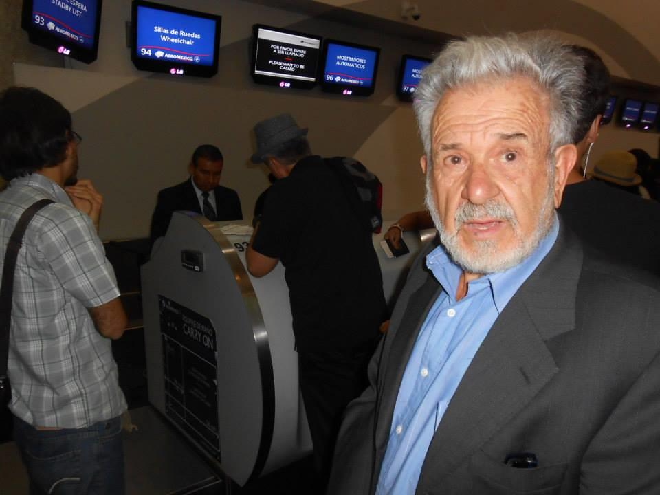 Juan Cervera Sanchís en Aeropuerto Internacional Benito Juárez (14-7-2013)