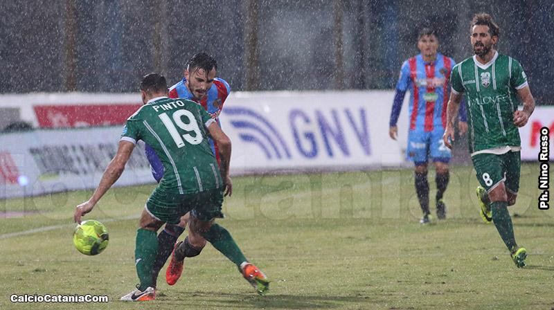 Pinto affronta Barisic nel match della stagione 2016/17