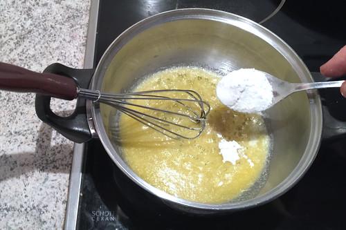 47 - Mehl einrühren / Stir in flour