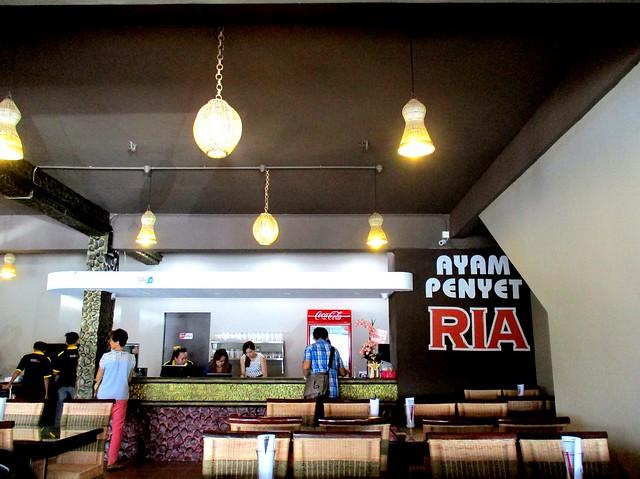 Ayam Penyat Ria, Sibu inside