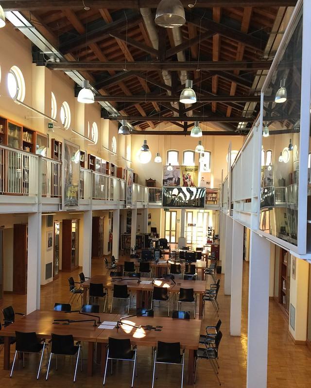 瑞佐·瑞兹图书馆