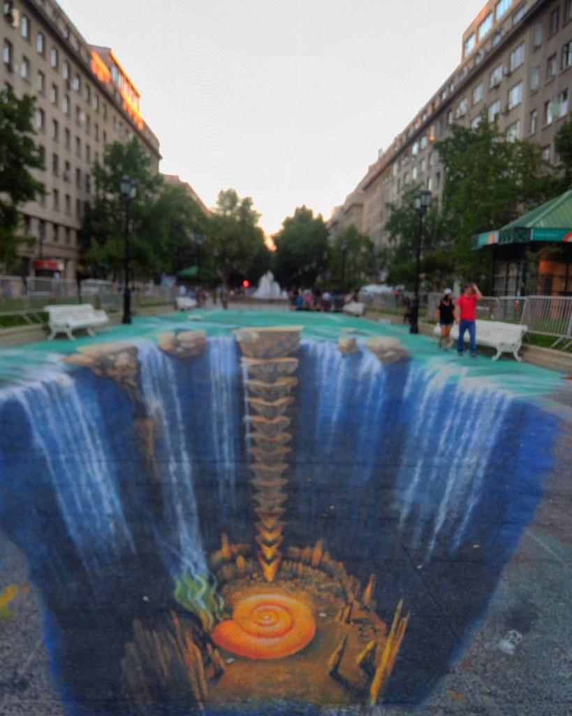 Pintura 3D en el paseo Bulnes saluda! #street #art #street ...