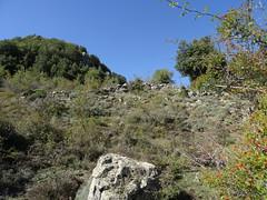 Redescente de Ripale : l'ancien chemin de montée amenant aux églantiers