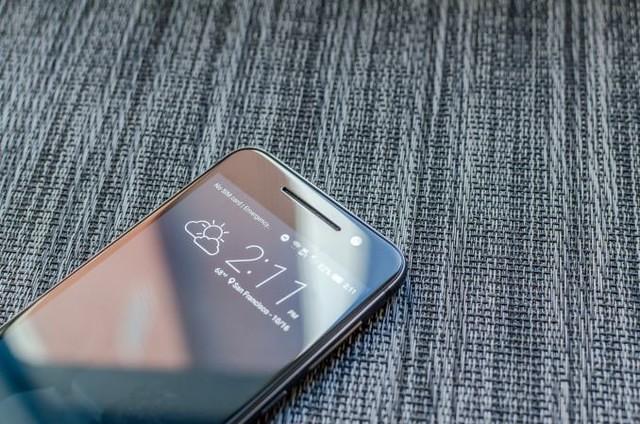 HTC One A9 có giá bán rẻ hơn iphone 6