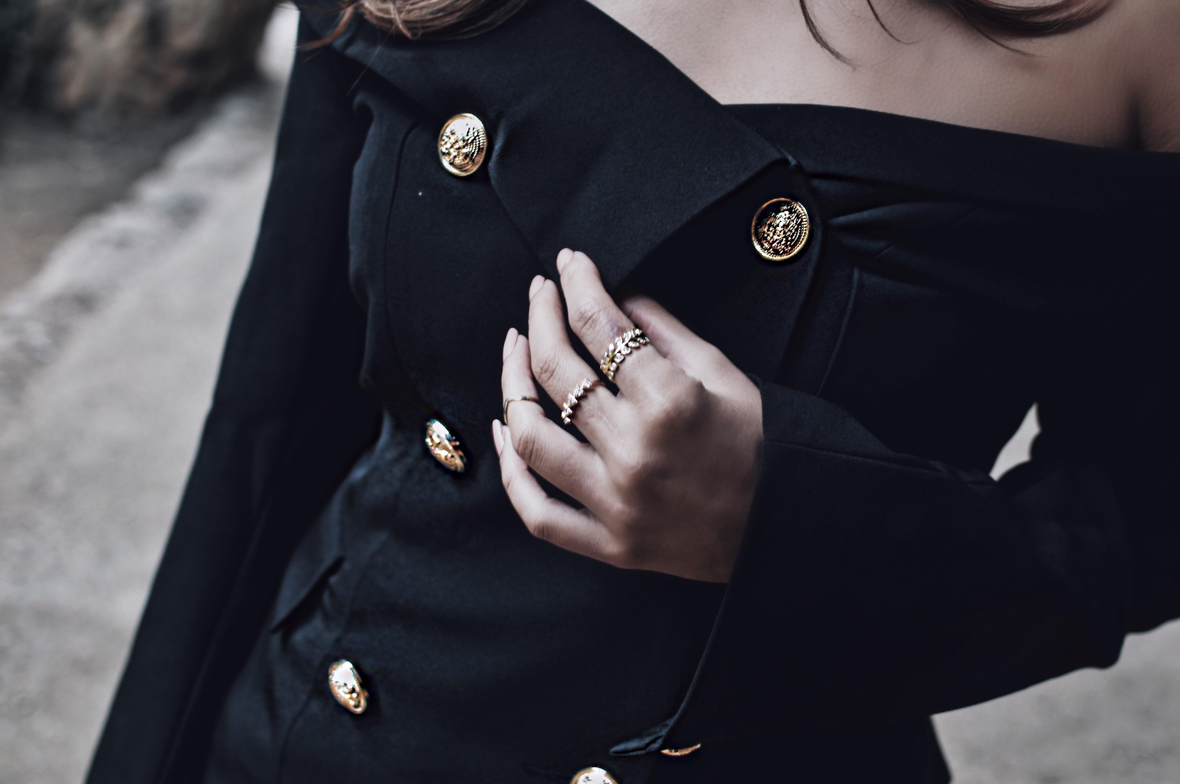 Algunas cosas importantes que aprendí de mi amiga soltera – she in blazer