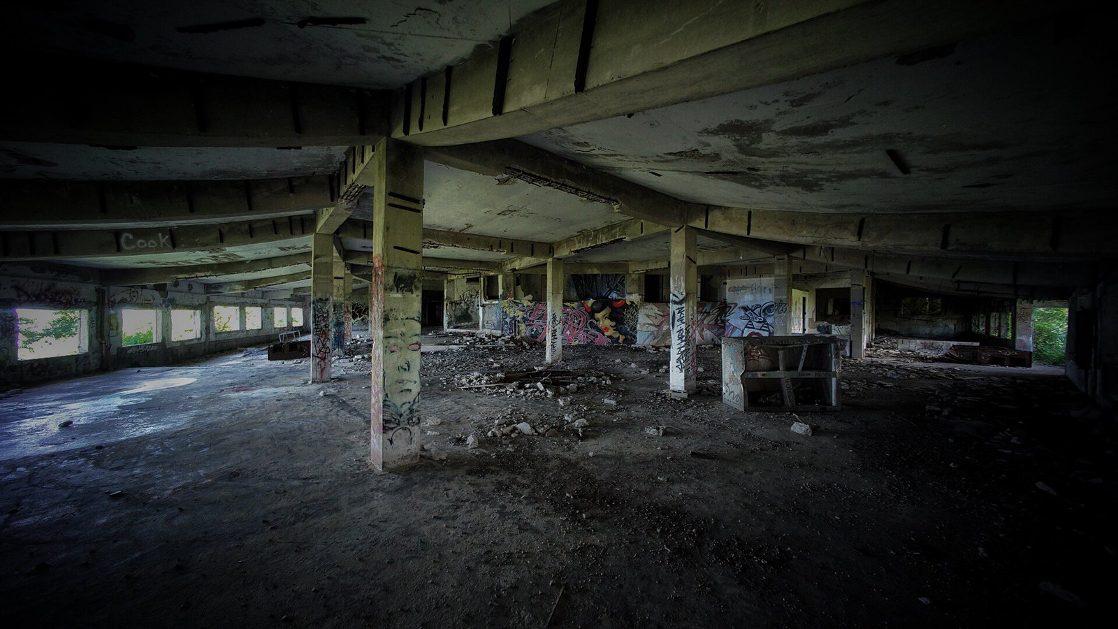 Also, here is some more urbex from the other day. #SonyA7 #Voigtlander12mm #UltraWideAngle #foto #Okinawa #japan15 #urbex