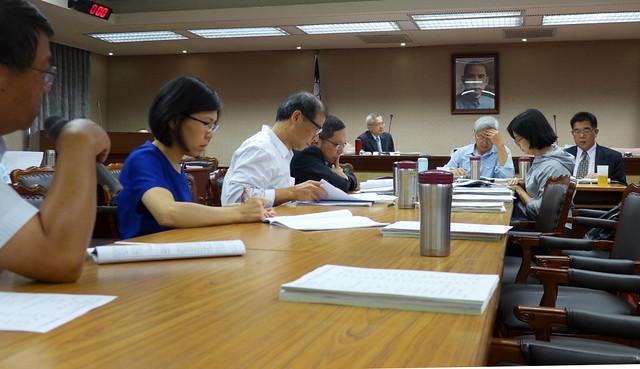 11月時,內政委員會討論國土計畫法。攝影:陳文姿。
