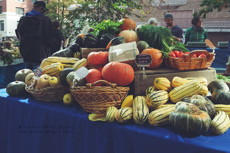squash table at portland farmers market