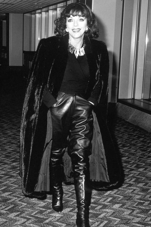 Joan Collins nahkahousuissa