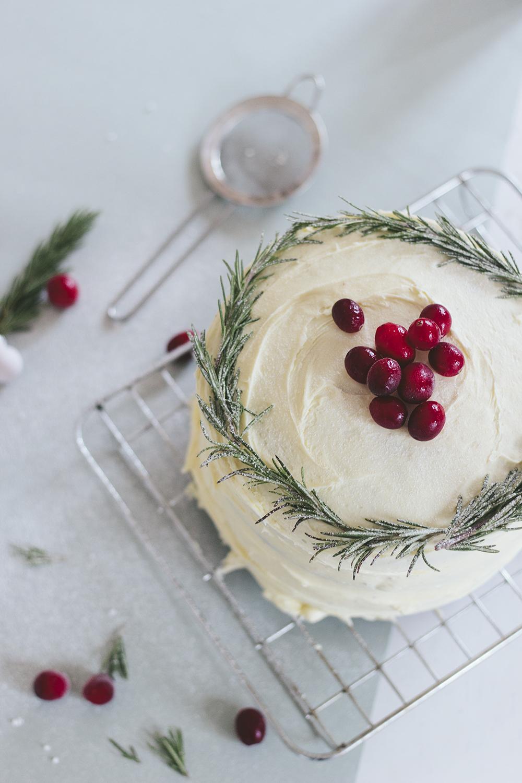Christmas cake frosting decoration