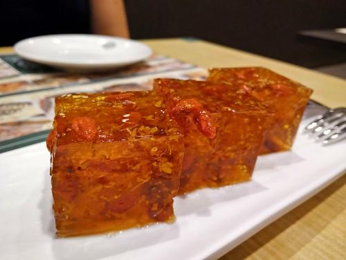 Tonic Medlar & Osmanthus Cake