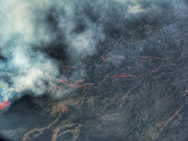 El volcán Le Piton de la Fournaise (Isla Reunión) en erupción