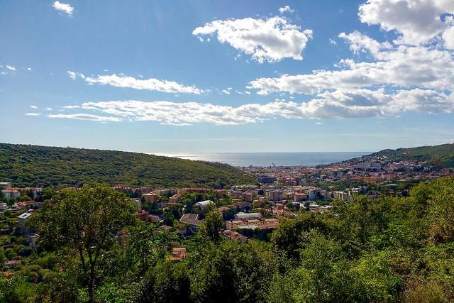 Miasto Triest na tle Adriatyku