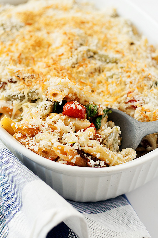baked pasta with tomatoes, arugula, and bacon #simmeredintradition