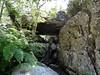 Un dolmen naturel dans la descente des vasques du Vaglie