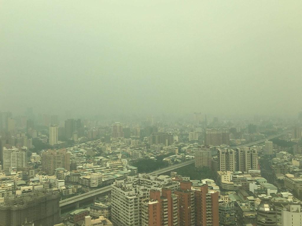 2016年秋冬季中部空污嚴重。圖片來源:Angela Chang