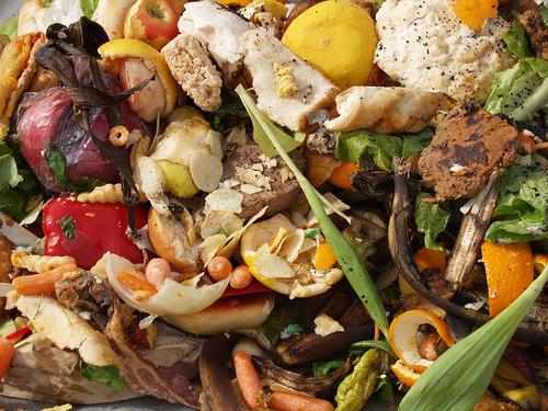 食物浪費。圖片來源:Lunauna。(CC BY 2.0)