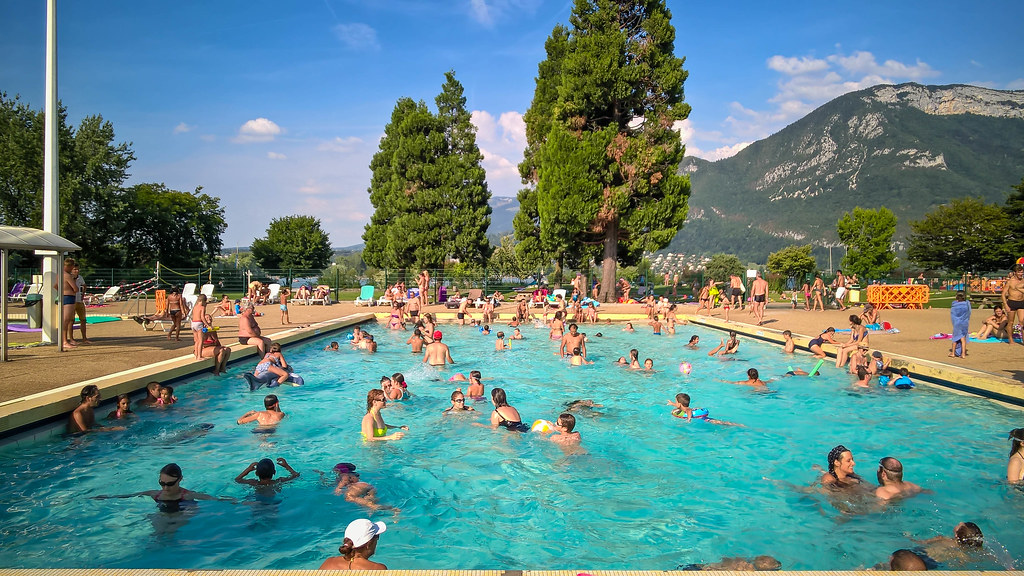 Public swimming pool annecy france wp 20150806 17 45 4 for France piscine