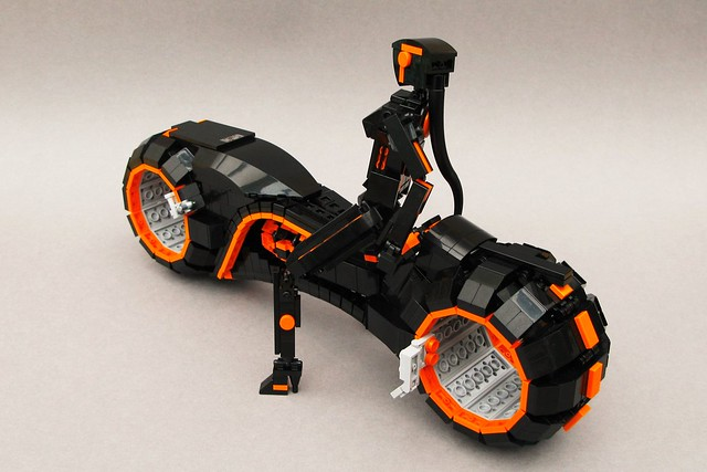LEGO Tron Light Cycle - Let me ride