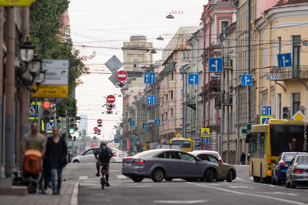 Улица в Санкт-Петербурге