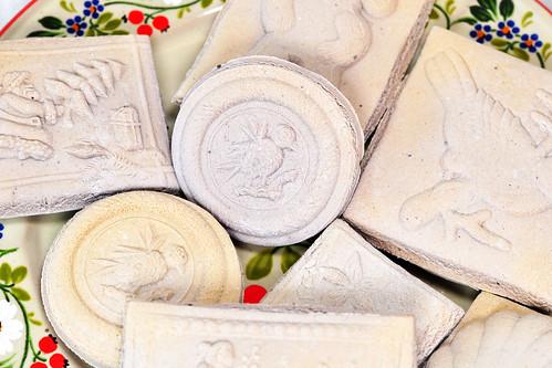 Weihnachten Weihnachtsgebäck Weihnachtsplätzchen traditionell Klassiker schwäbsche Springerle Anis Heidelbeer Heidelbeerfruchtpulver Füßchen Rezept Foto Brigitte Stolle Mannheim 2015