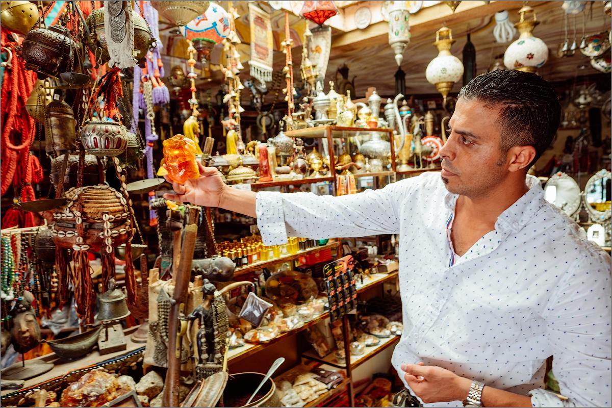 Арабы продавцы сувениры ебут женщин