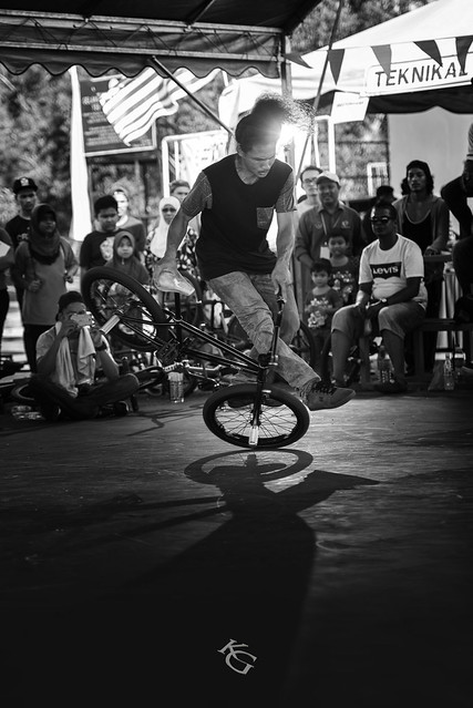 The 1st placer BMX Flatland Thai rider - Toon The Machine