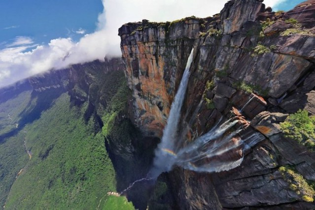 Hace 78 años una aventura aérea descubrió el Salto Ángel