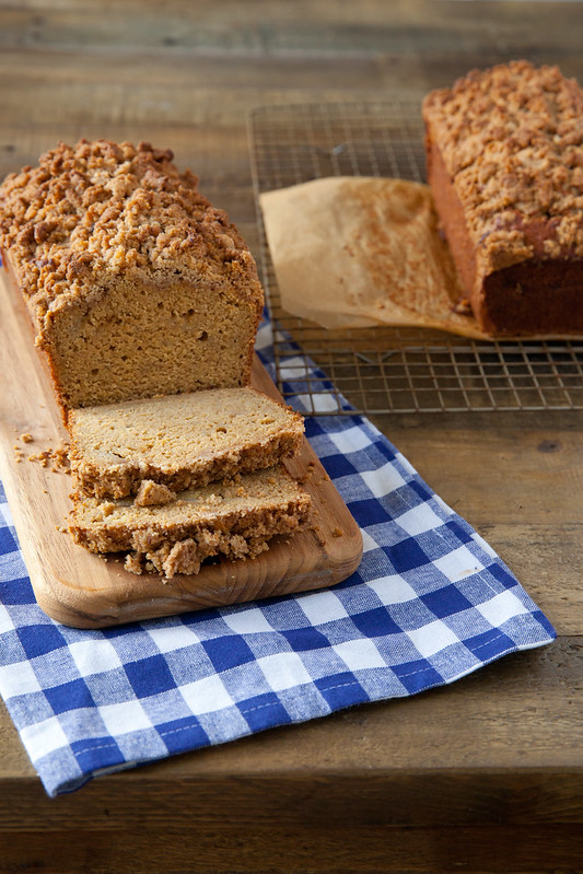 Banana Bread with Streusel Topping