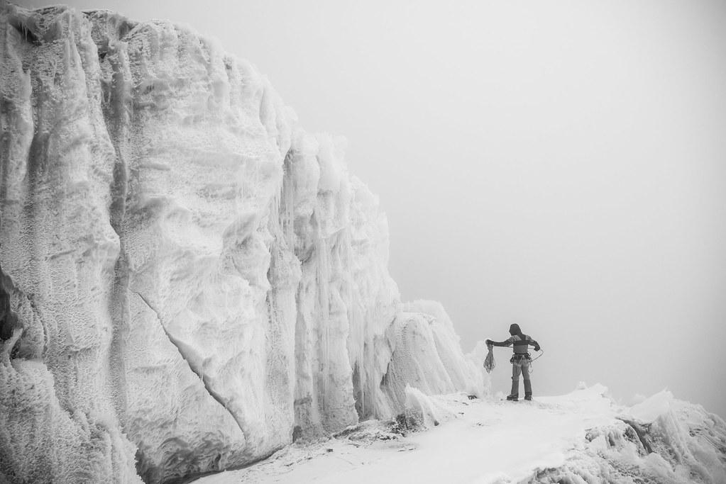 Μία συνηθισμένη μέρα στα Ιμαλάια δοκιμάζοντας στα όρια τη νέα σειρά Summit Series
