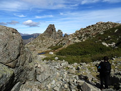 Aiguille rocheuse vers la source de Trighjone dans le vallon de Lomentu