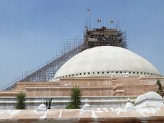 Die große Stupa wird repariert
