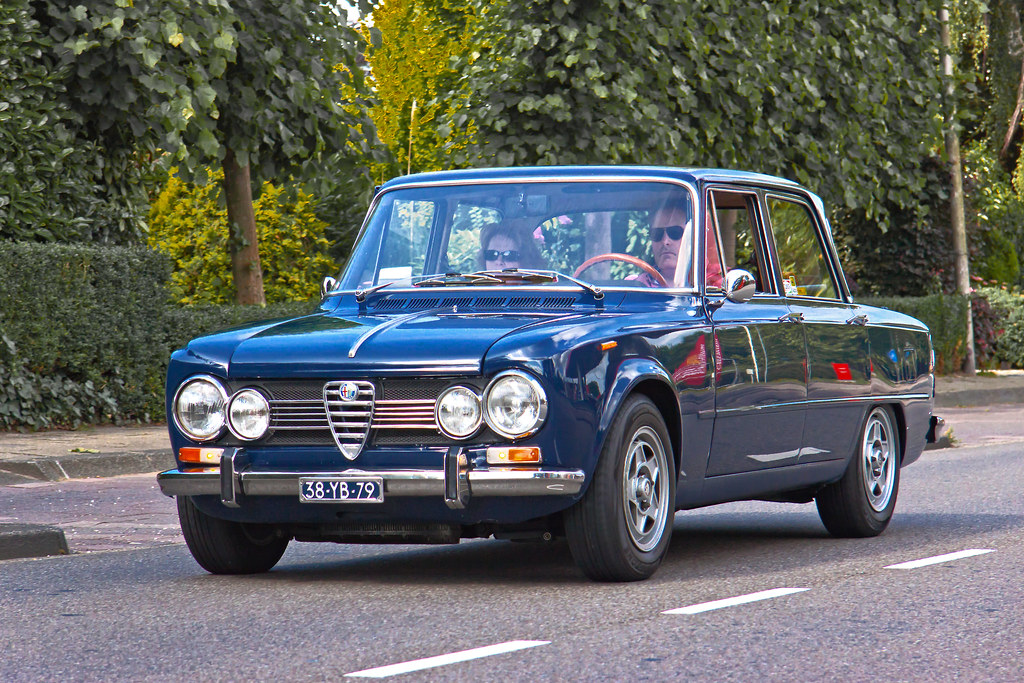 alfa romeo giulia super 1 3 lusso 1973 1299 manufacturer flickr. Black Bedroom Furniture Sets. Home Design Ideas