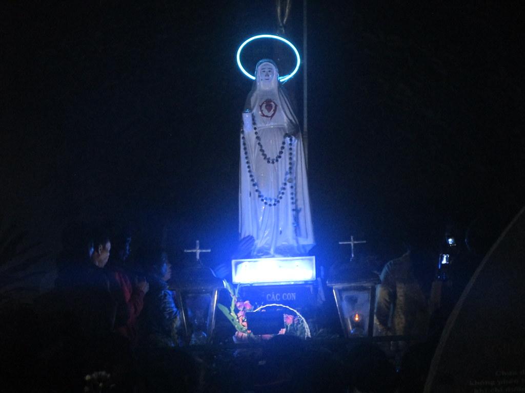 Hình ảnh và Video Đại lễ Đức Mẹ Sầu Bi Măng Đen 2015