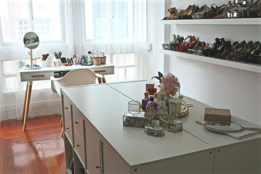 Mi vestidor piso encantado paso a paso for Perchas blancas ikea