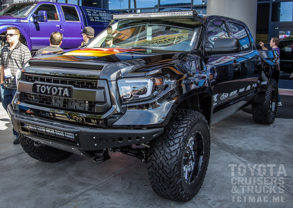 Another well built Tundra  - SEMA 2015 Toyota