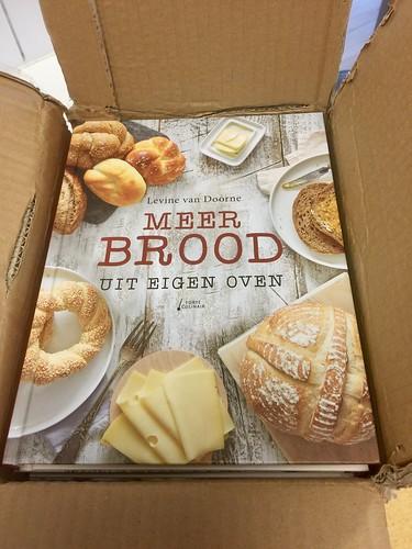 Boek Meer brood uit eigen oven