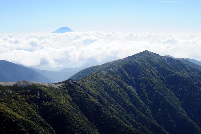 蝙蝠岳と富士山
