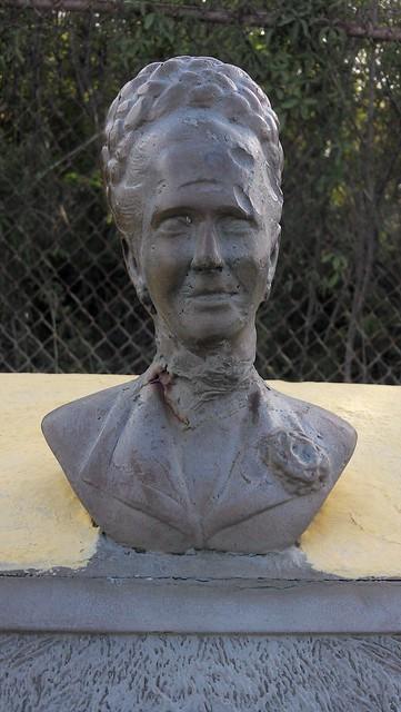 Doña Fela Rincon de Gautier