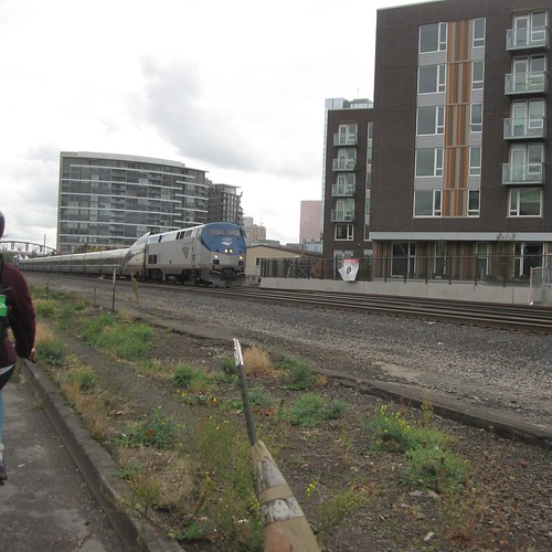 Twinkie #40 leads a northbound Cascades away from Portland Union Station