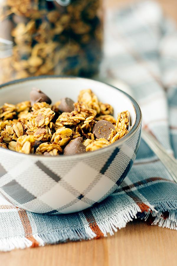 pumpkin-chocolate granols