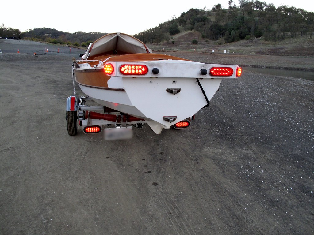 Trailex sut 500 s trailer mods ben the roller bar is an aluminum square section coupled to the trailer backbone with a square plate plus angle pieces to support the roller shafts aloadofball Gallery