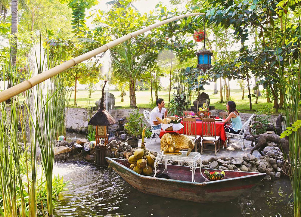 3-lotus-pond-dining