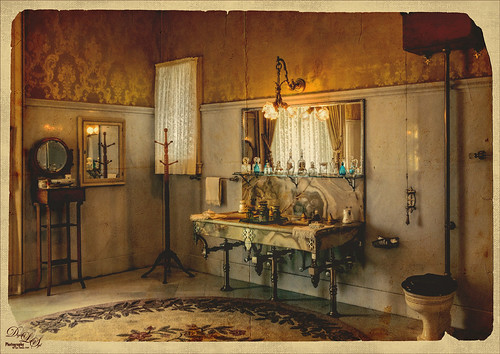 Image of the bathroom at the Flagler Museum (Whitehall) in West Palm Beach