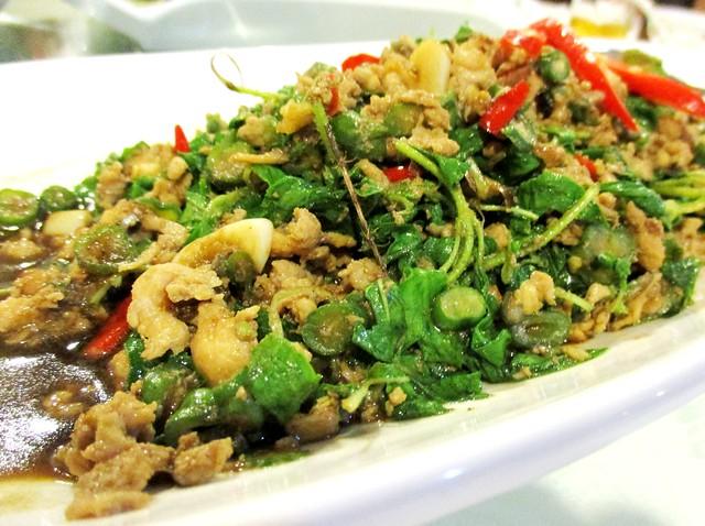 Flavours Thai Kitchen krapow gai