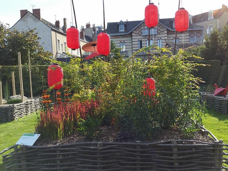 9/10/15 175217 red Japanese lanterns