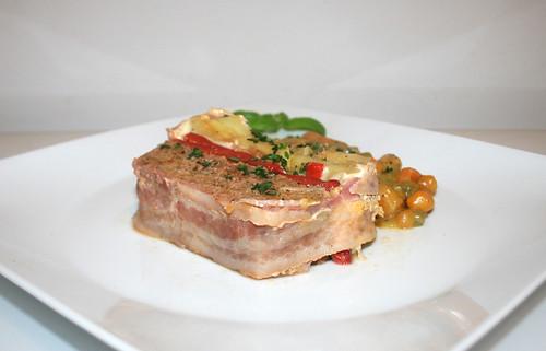 68 - Pastel de carne y patatas - Side view / Kartoffel-Hackfleisch-Kuchen - Seitenansicht